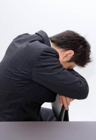 N811_unadarerusarari-man_TP_V4 転職が上手くいかない40代は自分の市場価値を知ることから始めよう
