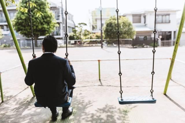 MAX87_burankodekodoku20140531_TP_V4 40代の転職者は前職で築いたプライドを一旦捨てて再出発するべき