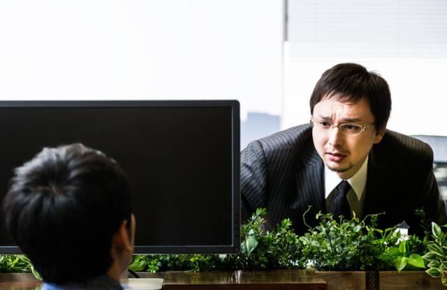 Green20_yuukyu20141123122037_TP_V 40代が楽して転職するとっておきの方法はコネ!即興で作れば怖くない